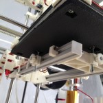 Print bed, bottom view - semi-automatic 3 point bed leveling system